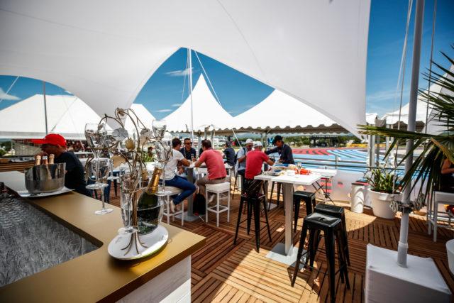 FRENCH GRAND PRIX Grand Prix de France formule 1 formula one F1 Castellet pont excellence virage du france loge box hospitalite hospitality corporate entreprise